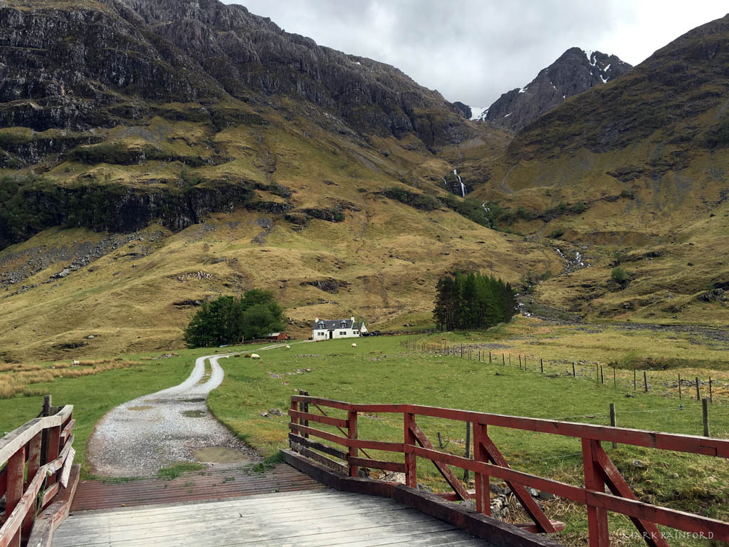 Laganbargh Hut