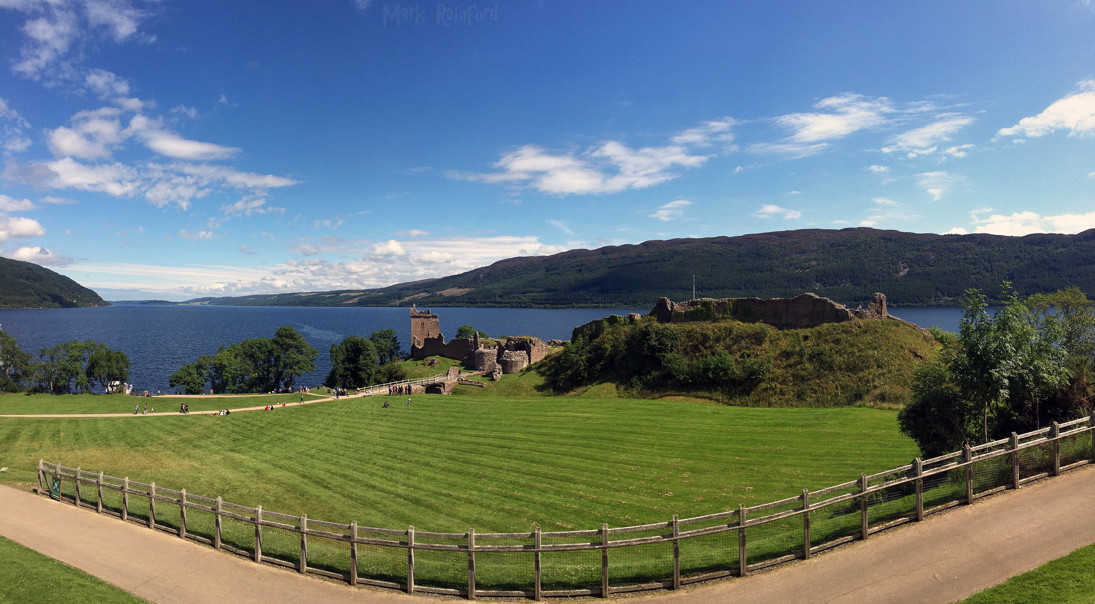 Panoramic - Urquhart Castle